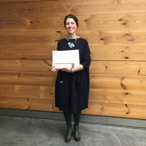 Ema Gajic, Auszeichnung der Stiftung Kaderschulung Holztechnik für die beste Gesamtstudienleistung.